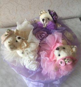 Букеты из мягких игрушек и конфет ручной работы