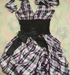 Атласное платье с кружевом