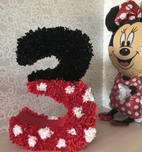Цифра 3 на день рождения в стиле Микки-Маус