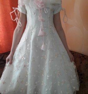 Платье на6-7лет на выпускной 1500.Болеро 600.