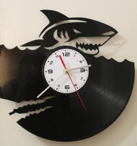 Часы из виниловых пластинок