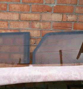 Стекла боковых дверей на ВАЗ 2105-07.