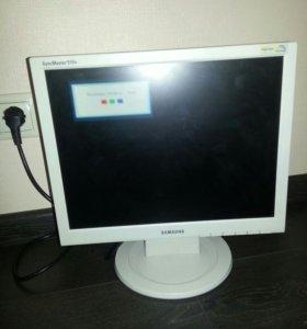 Монитор в отличном состоянии:Samsung 510n