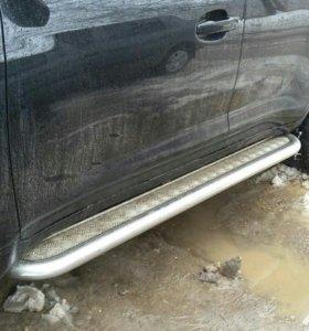 Пороги для Toyota Land Cruiser 200