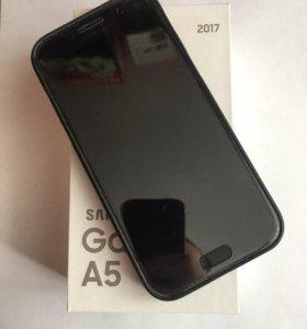 Samsung Galaxy A5 (2017) 32 гб Черный SM-A520F