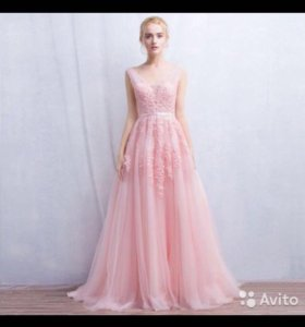 Вечернее пышное платье с шлейфом (новое)