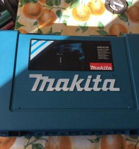 Перфоратор Makita HR2470F