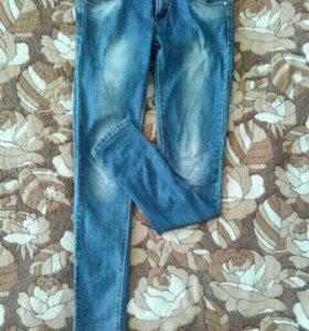 Продам джинсы,лосины