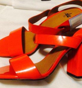 Обувь из Европы новая