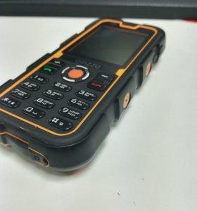 Противоударный телефон R2D