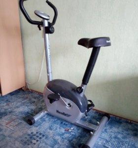 Велотренажер House Fit