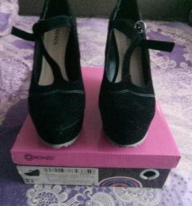 Женские туфли из замши