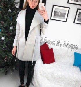 Пальто новое 42 размера