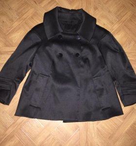 Атласное Пальто-пиджак Zara. S-M