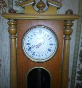 Настенные часы времен СССР