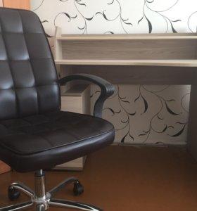 Письменный стол+офисное кресло