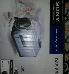 Цифровая видеокамера SONY DCR-SR21E.