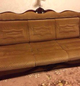Диван с большим спальным местом и 2 кресла