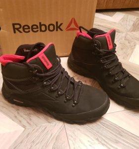 Зимние кроссовки reebok. 43 размер