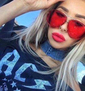 Солнцезащитные очки, пара красные и чёрные