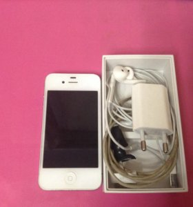 Продам iPhone 4 white 8 gb