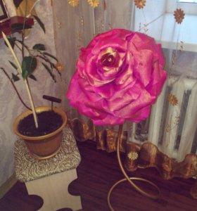 Торшеры, ростовые розы