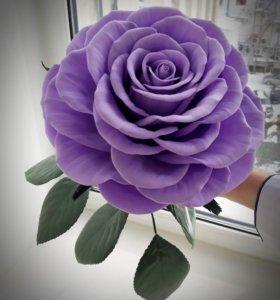 Большая роза, которая не завянет