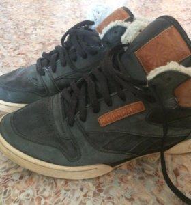 Зимние кроссовки (почти новые) Reebok