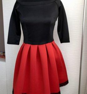 Платье с пышной юбкой из Неопрена