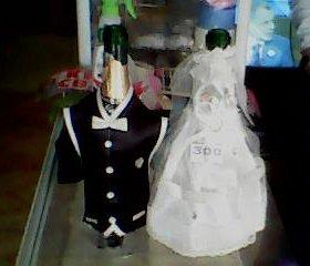 наряд жениха и невесты на шампанское.