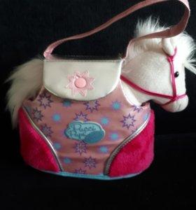 Лошадка в сумочке