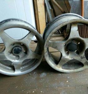 2 легкосплавных диска Toyota Ipsum