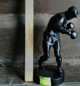 Боксер Касли, чугун, идеальное состояние.