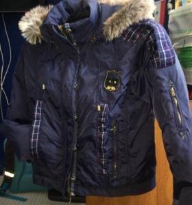 Демисезонная куртка, размер S
