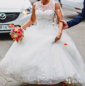 """Очень красивое свадебное платье """"Золушка"""" рр.40-44"""