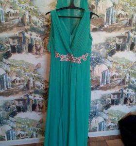 Платье новое размер 46-48 торг