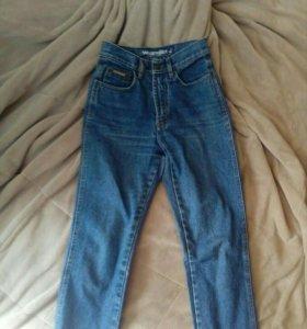 mom jeans, джинсы на высокой талии