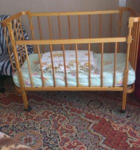 Кроватки детская, матрац,бортики за все 900р