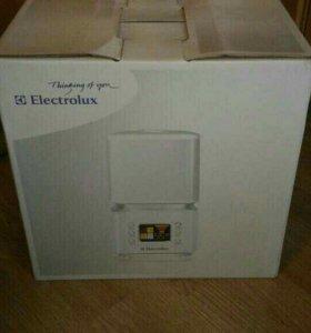 Новый Ультразвук увлажнитель Electrolux EHU-3515D