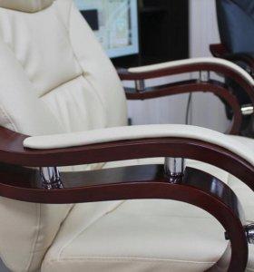 Кресло руководителя \ Офисное кресло новое
