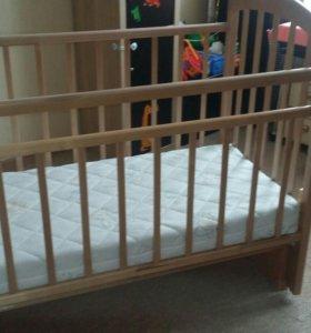 Детская кровать с матрасом + подарки