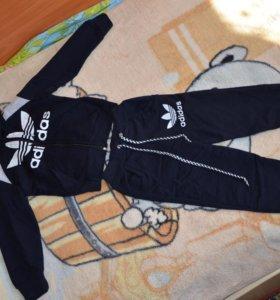 Спортивный костюм на 2-3 года