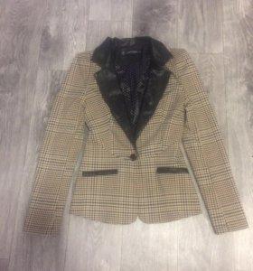 Продаж пиджак размер 42, бу 3 раза