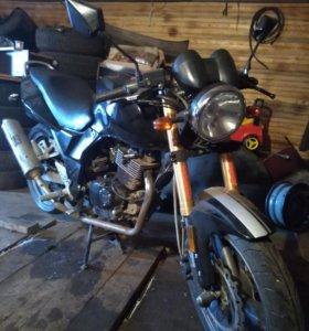 Мотоцикл Стрит200
