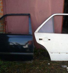 Дверь задняя правая и левая для Мерседес W124