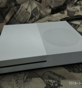 Xbox one S 500gb (minecraft edition)