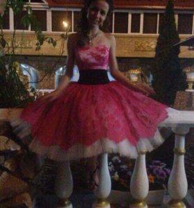 Коктельное платье, розовое, есть корсет