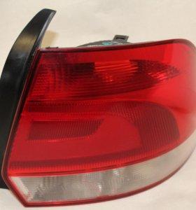 Задний правый фонарь фольксваген поло седан 2014г