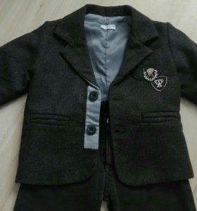 Стильный костюм с джинсами, на 2-3 года