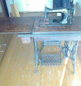 Машинка швейная нажная Зингер в рабочем состояни